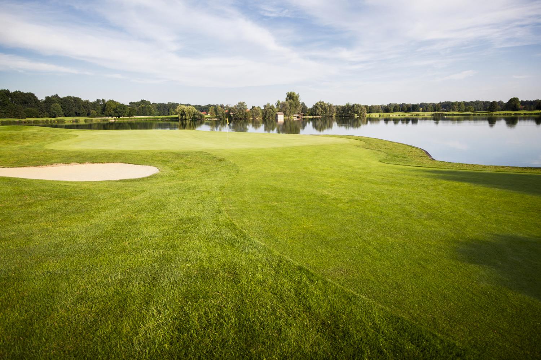 Golf Simulator, Cherry Valley, MA